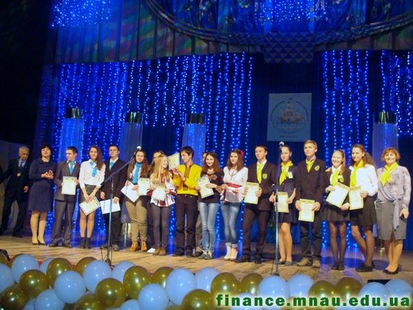 Фінальний етап IX Всеукраїнського учнівського турніру юних економістів. Фото 5.